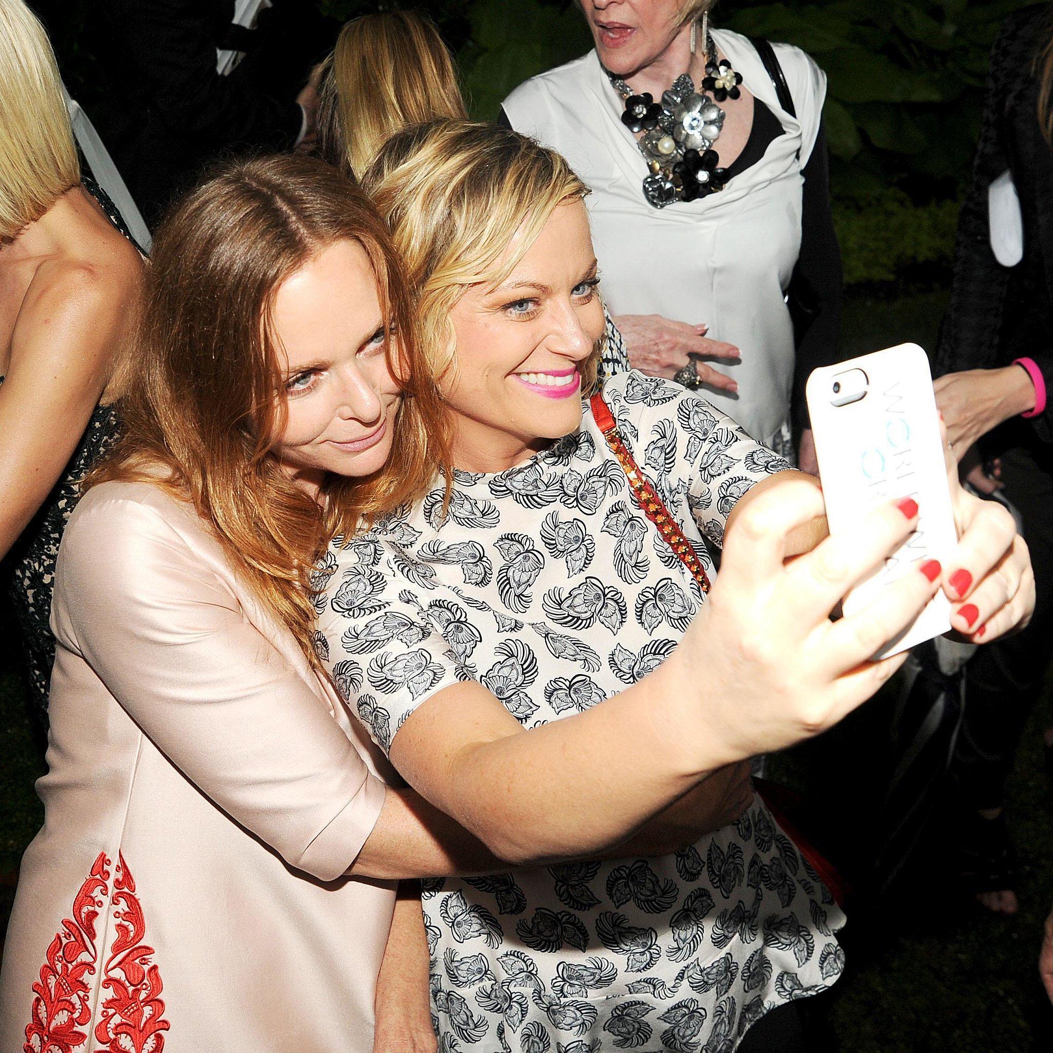 Amy-Poehler-snapped-selfie-Stella-McCartney-Stella-Spring